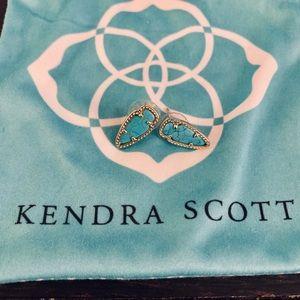Kendra Scott Arrowhead Studs